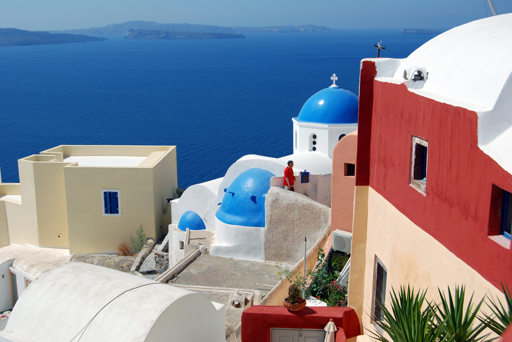 With astounding beauty like this in Santorini, it is no wonder the island is the go to destination.
