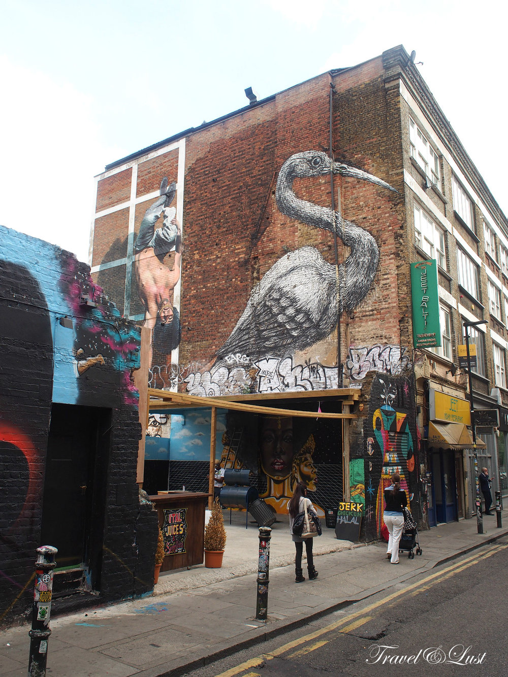 East London is known for its eclectic mix of art, fashion, bars, cafes, vintage shops and an array of graffitis.