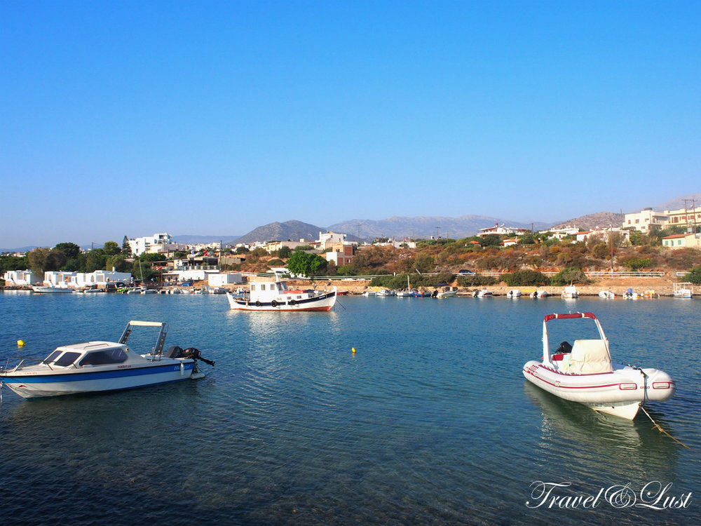 Near the Pelagos Dive Centre you can find this little marina.