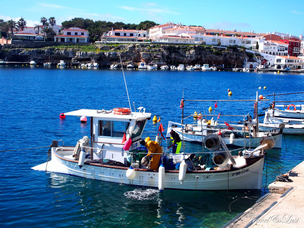 Visit Cales Fonts in the beautiful town of Es Castell. This is a marine town only 5 minutes from Mahón.