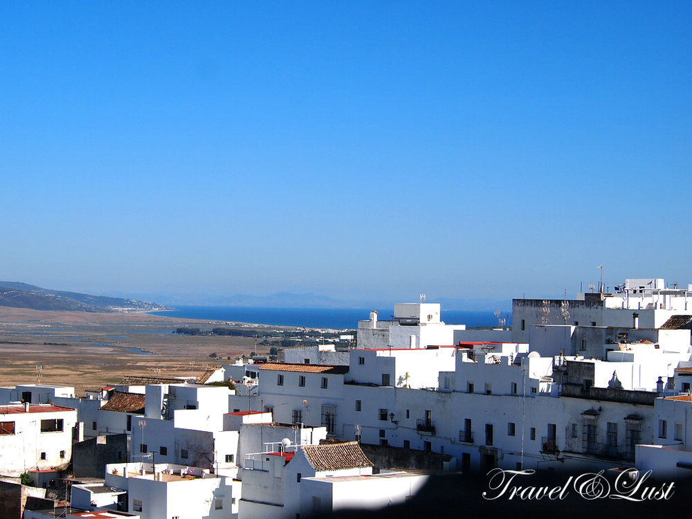 Vejer de la Frontera, learn how this town steeped in history by a massive movement of the Phoenicians, later by the Romans and then underwent five centuries of Moorish rulings.