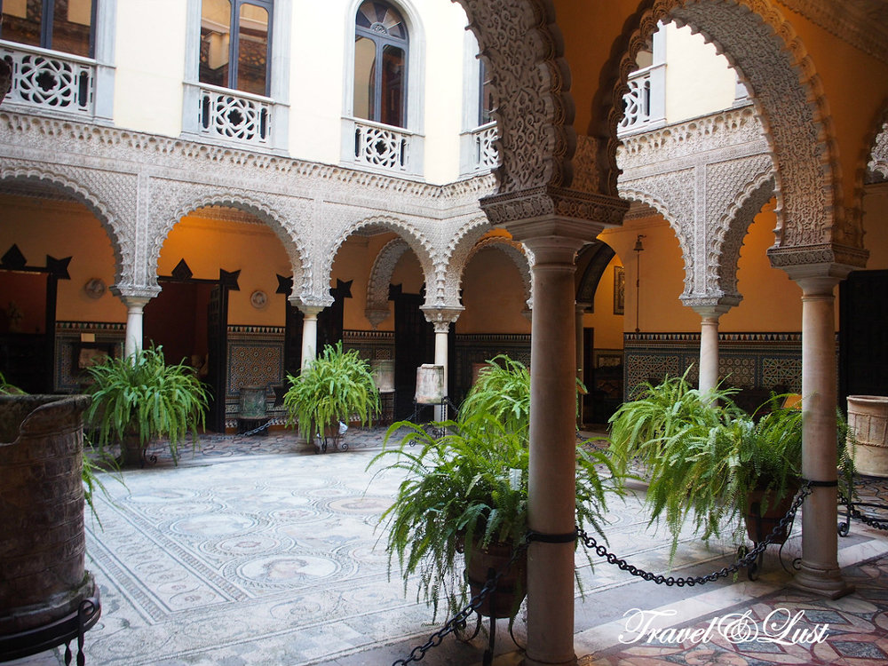 The Lebrija Palace or el Palacio de la Condesa de Lebrija can be found in one of Seville city centre's busiest streets, Calle Cuna, parallel to the Calle Sierpes. Dating from the 16th century, it is considered one of the best residences in Seville. Located at Calle Cuna nº 8.