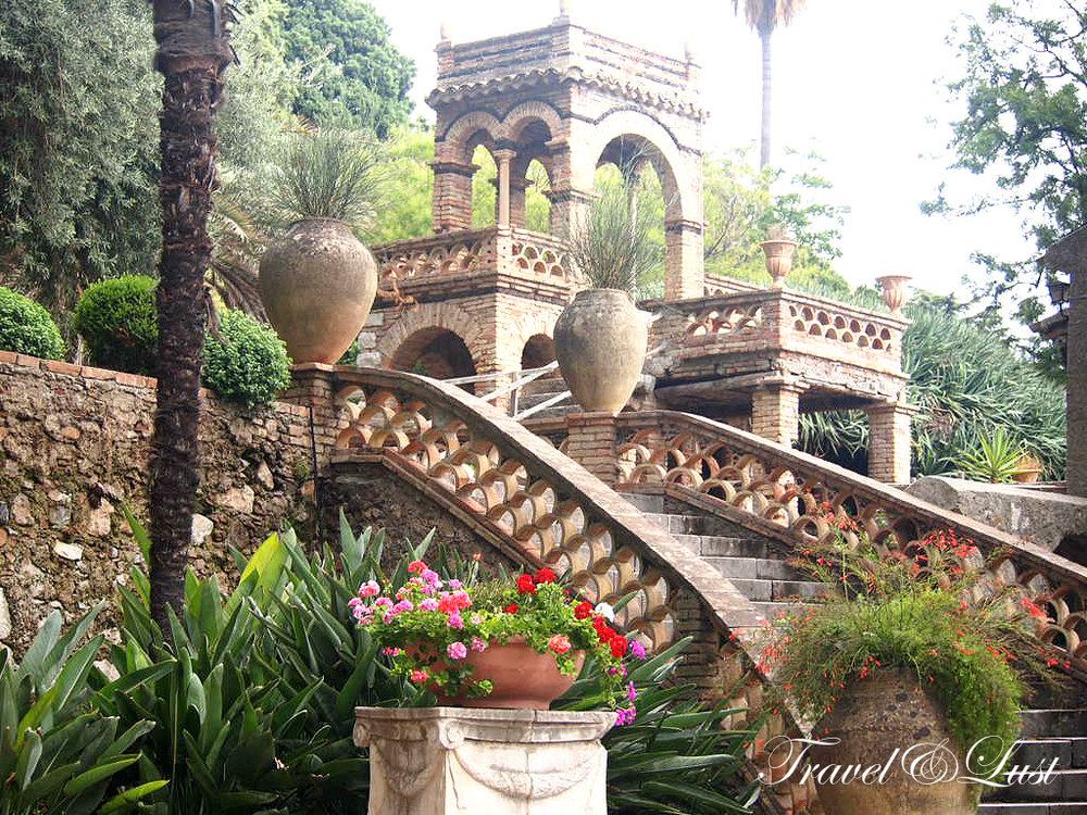 We walked the the Villa Comunale park, which was originally the home of Lady Florence Trevelyan, English noblewoman cousin of Queen Victoria, who lived in Taormina in 1884.