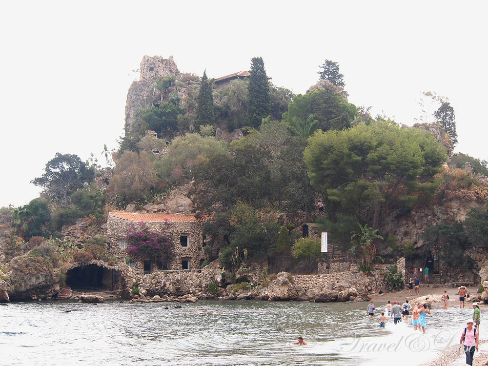 Isola Bella from up close.