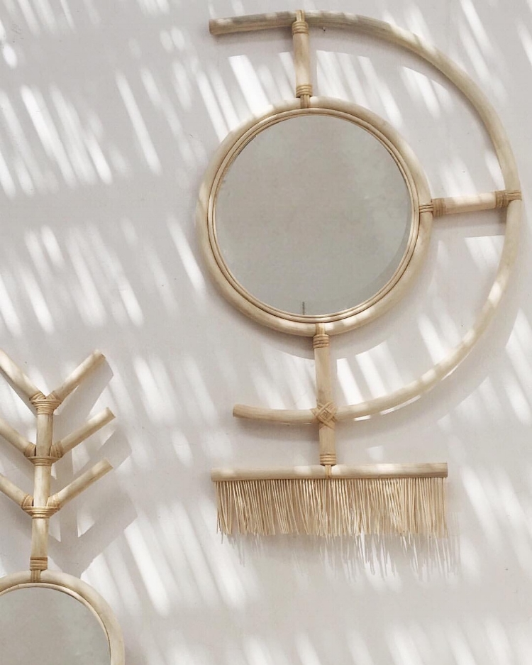 Raffia eye mirror made from Rattan wood