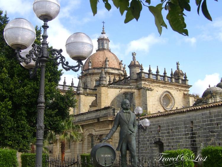 Statue of Manuel Maria Gonzalez Angel (1812-1887), founder of the Gonzalez Byass sherry bodega and creator of the sherry Tio Pepe. Gonzalez agent at the time was English-born native Robert Blake Byass.