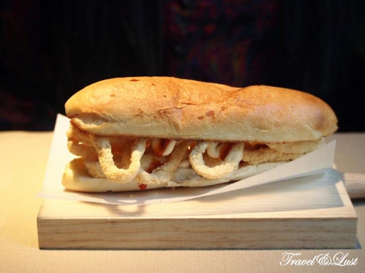 Bocadillo de calamares (squid sandwich).