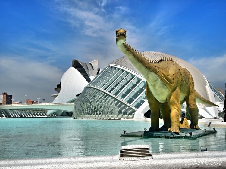 Visit Europe's biggest ever exhibition of roboticdinosaurs, aquarium, gardens, IMAX and Museum complex.
