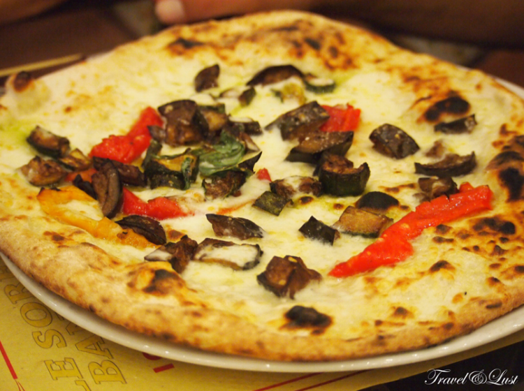 Can´t go to Naples without eating their delicious pizzas!