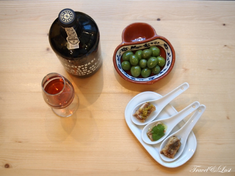 The tasting of appetizers for the curious palates is best accompanied with your favourite wine.
