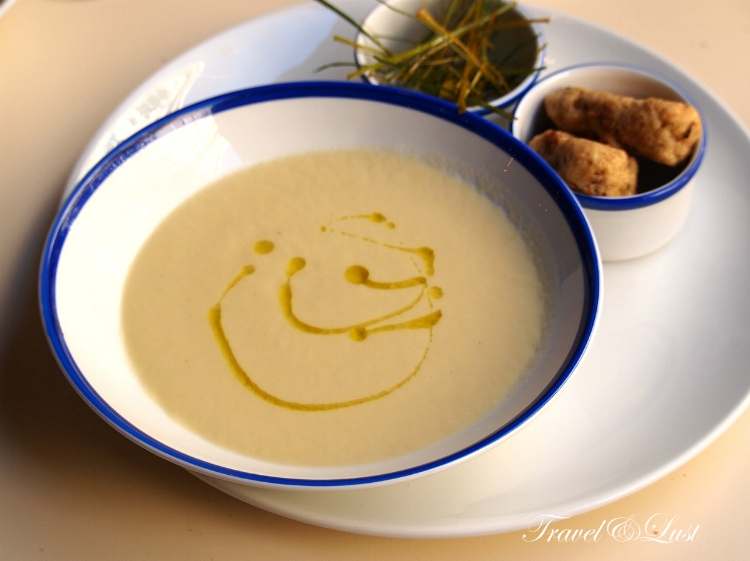 Leek soup with a hint of lemon and flavourful leek croquettes to accompany the fine flavours.