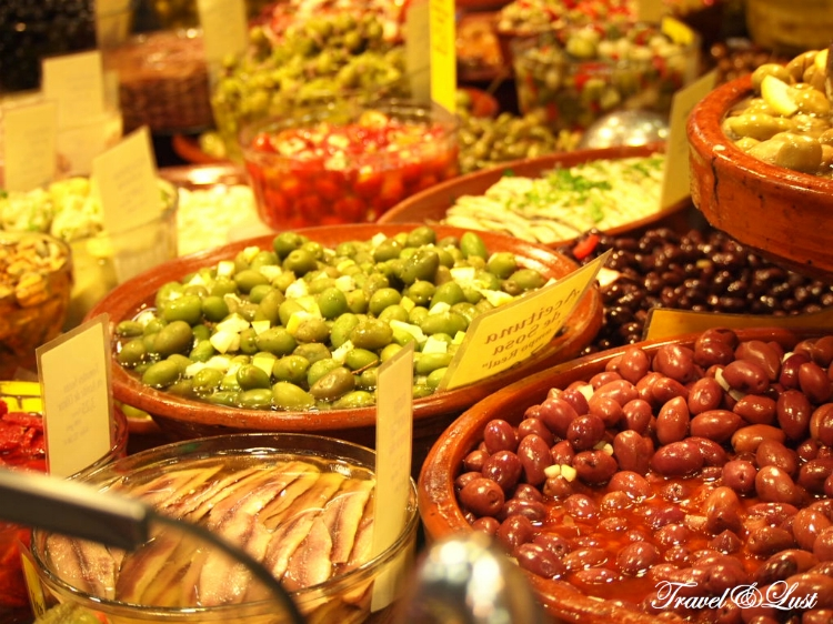 Near Hotel Can Alomar we found the perfect market for food shopping at Mercat Olivar.