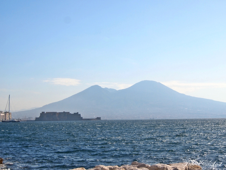 From the bay of Naples you can see Mount Vesuvius on the horizon.