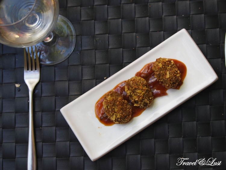 The never before seen croquemoles (avocado croquettes) with sour sauce.