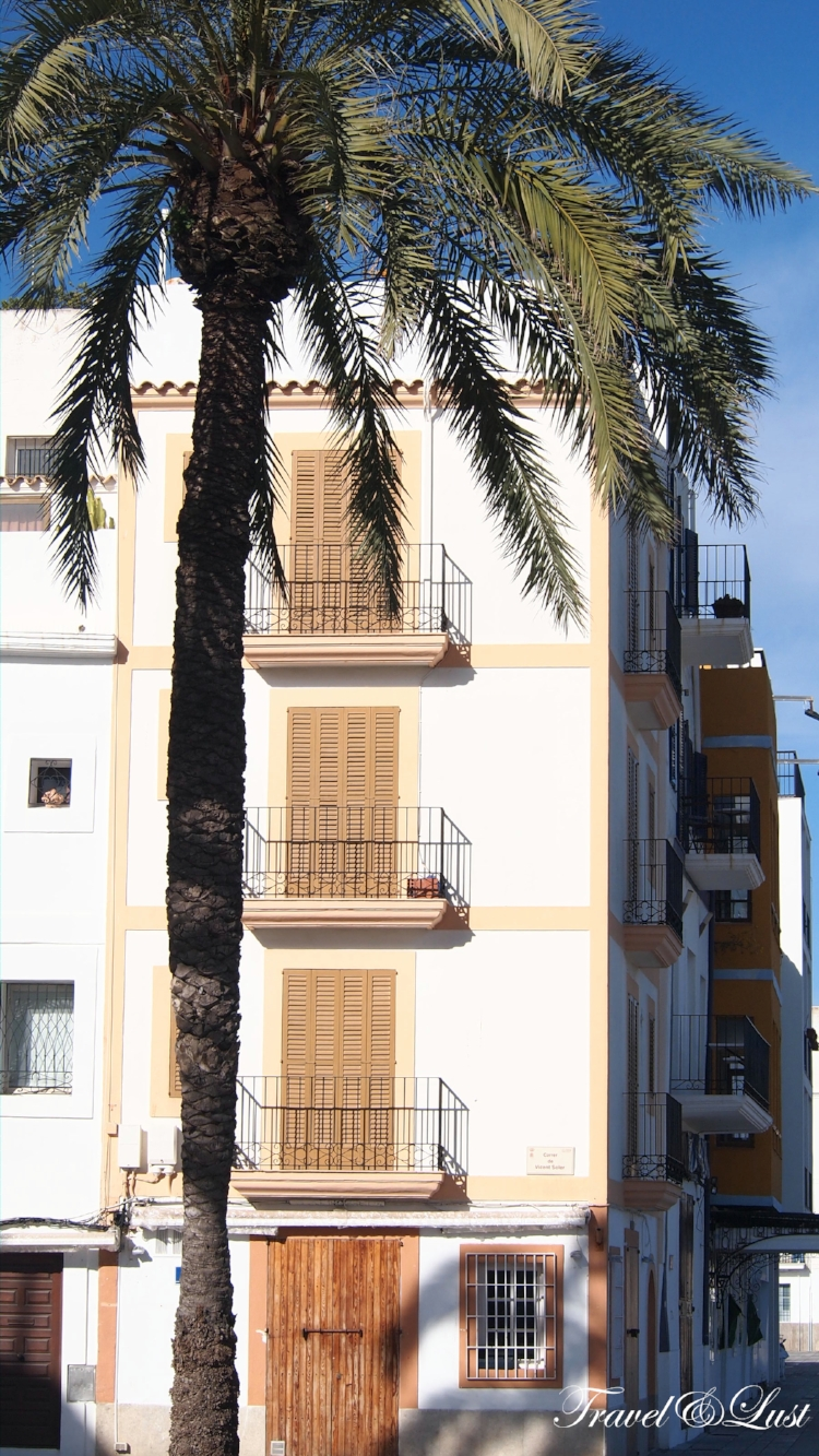 Loving the lush greenery and bright colours of the streets of Ibiza town.