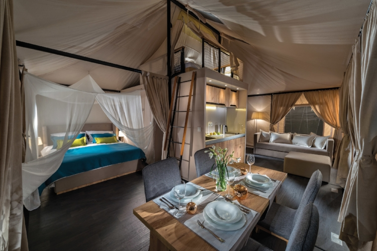 Luxury leaving outdoors thanks to the Boutique tent, the largest offering from Adria.