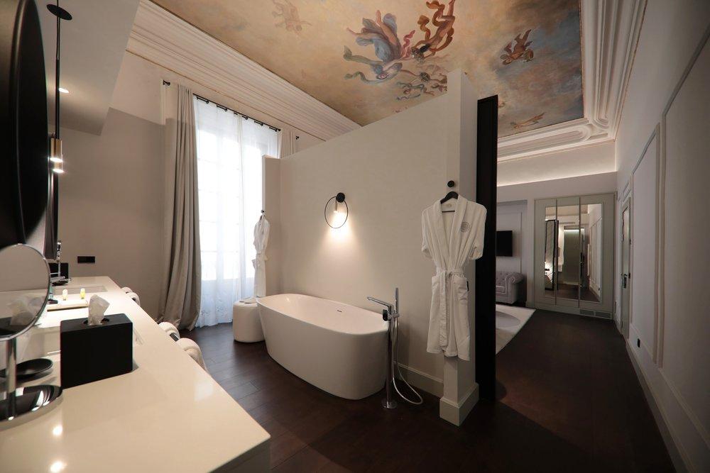 summum-prime-hotel-suite.jpg
