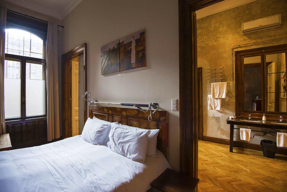 yeresko_bedroom2.jpg