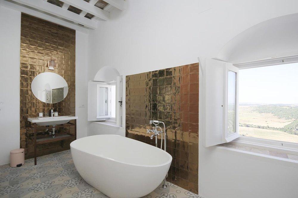 casa-bonhomia-vejer-room-with-bathtub.jpg