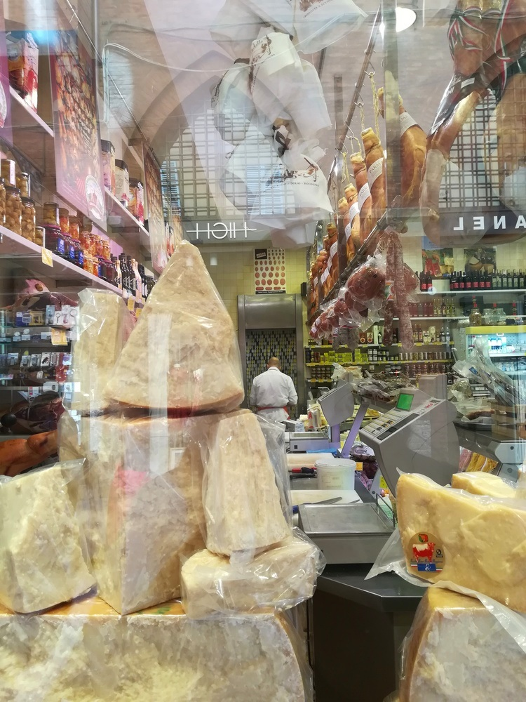 Cheese, cold cuts of meat, ham and more at a local deli in the centre.