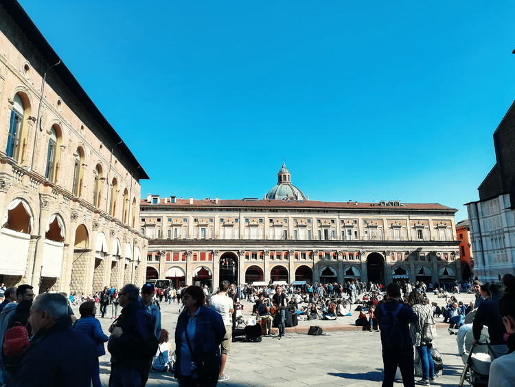 Piazza Maggiore is at the centre of Bologna.
