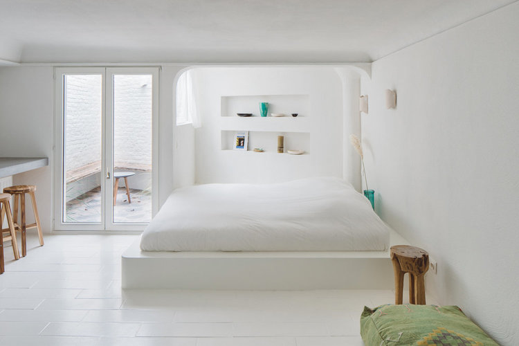Minimalist Boho Cave at boutique guesthouse Atelier Turquoise.