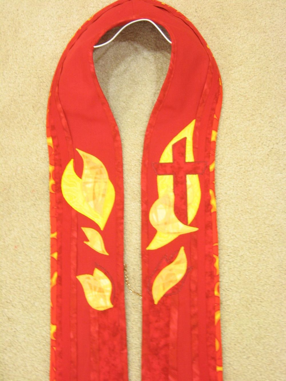 Red Stole front