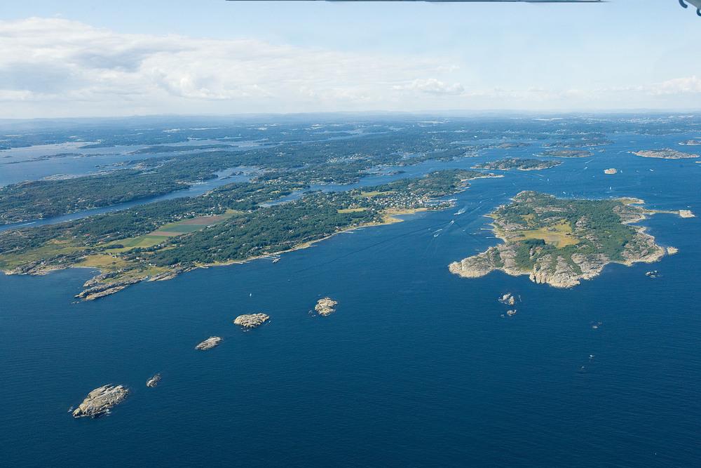 Tjøme sett fra syd, med øyeme Sandø og Hvasser nærmest. Foto: Arne Kjeldstadli