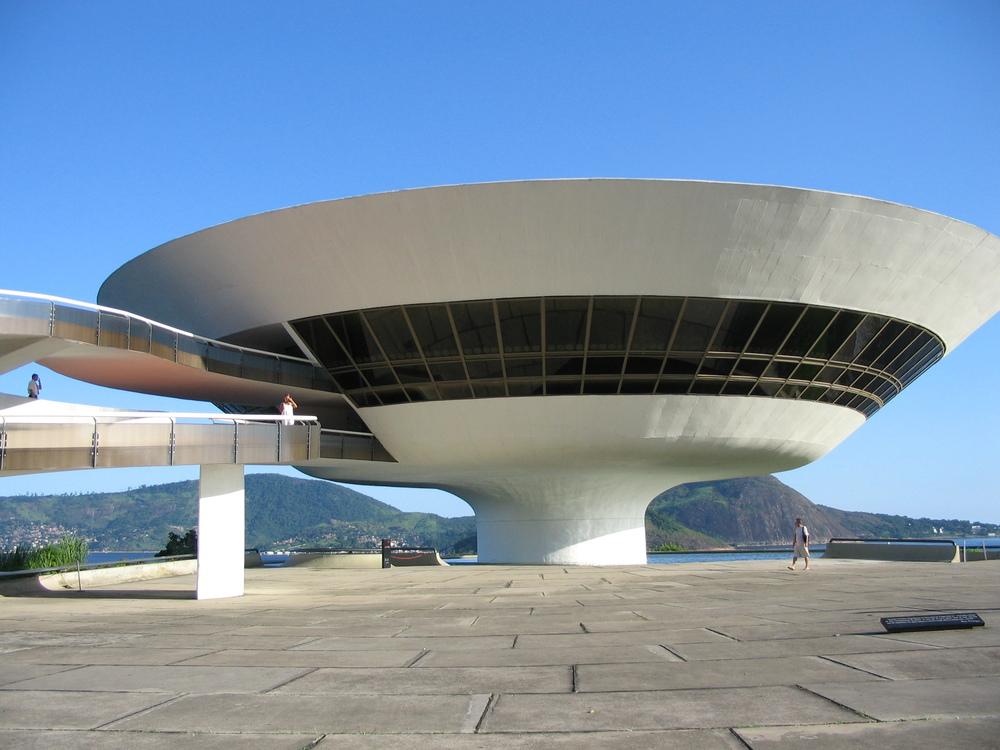 MAC (Museu de Arte Contemporânea), Niterói, RJ   Projetado por Oscar Niemeyer