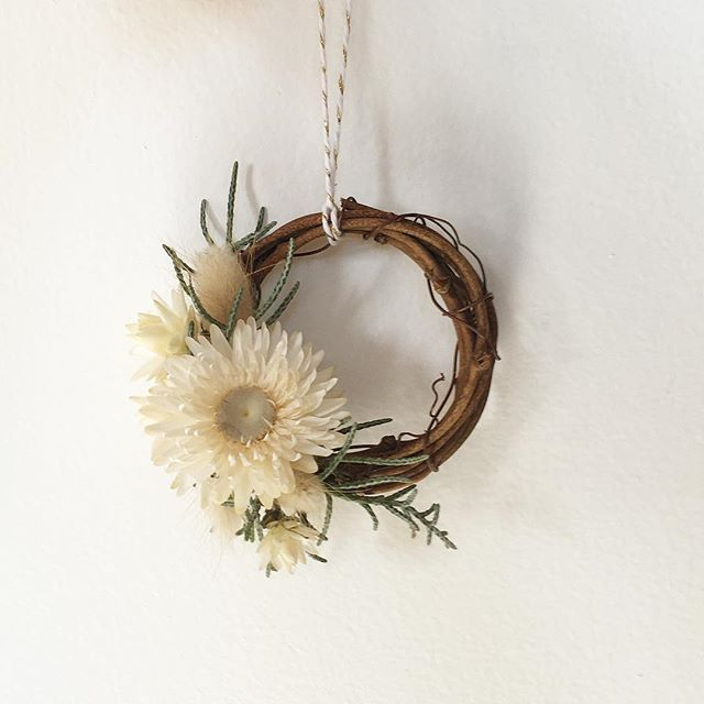 can't handle this mini wreath 🤯 // $6 if you need one on your tree. just keep in mind they're like snowflakes, no two (or at least very few) are exactly alike.