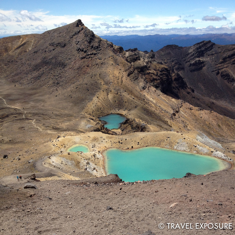 Tongariro Alpine Crossing Hike - Emerald Lakes