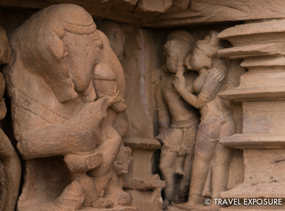The executioner elephant is distracted by two lovers