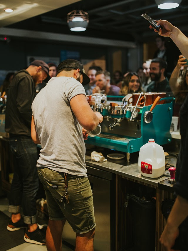 Turquoise Synesso & Finalists. Photo by Cameron Justin Yu