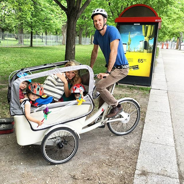Johan just might win family man of the year. 3 kids and mom are off for a picnic in Parc Lafontaine on their @triobike_official cargo bike.  #allovelomtl #triobike #cargobike #velolifestyle #mtlblog #themainmtl #mtlmoments #thismtl #narcitymontreal #livemontreal #igersmontreal #somontreal #velomtl #bikemtl #parclafontaine #igersmtl #montréaljetaime #plateaumontroyal #montroyal