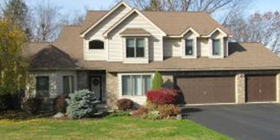Spacious, newer Contemporary on a cul de sac with over 4000 square feet.