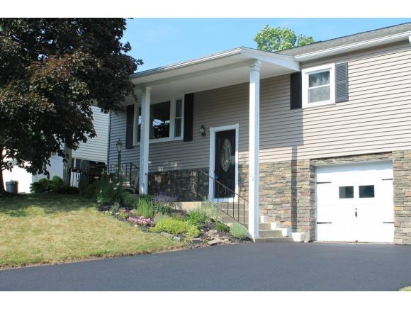 A perfectly-updated split-entry just minutes from the village of Endicott.