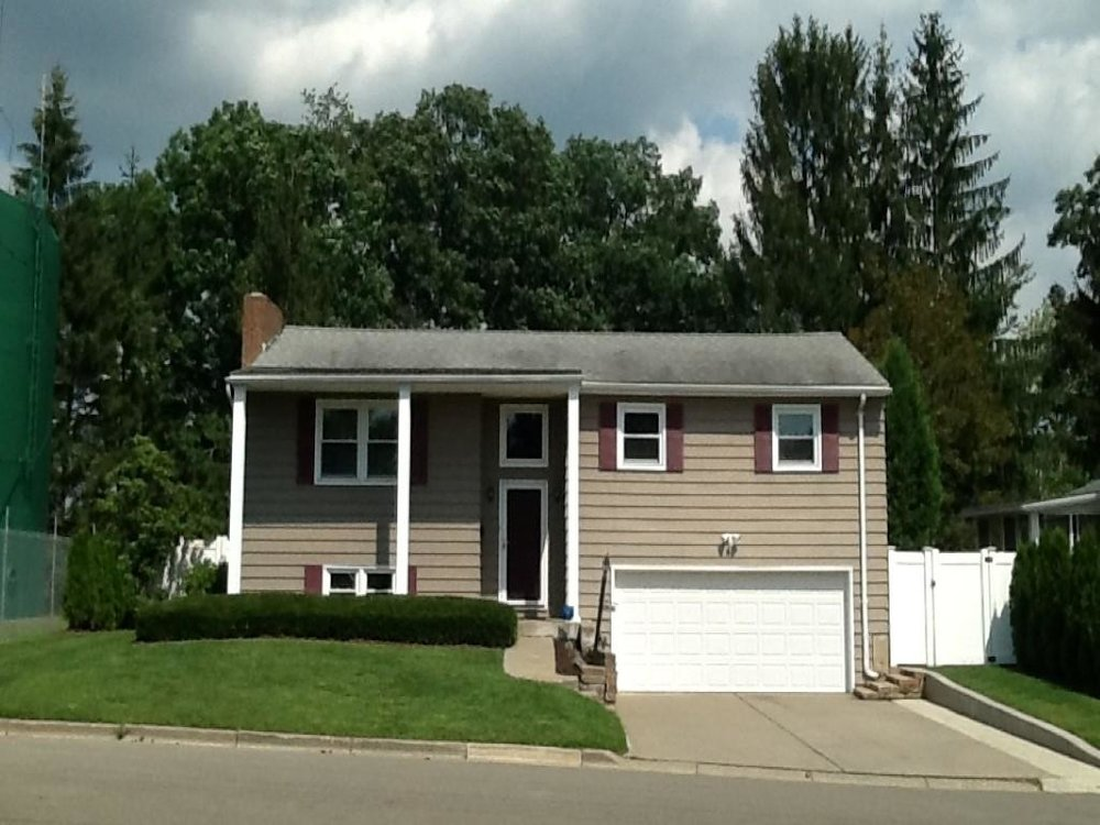 Nothing to do but move into this nicely trimmed home in the Maine-Endwell school district.