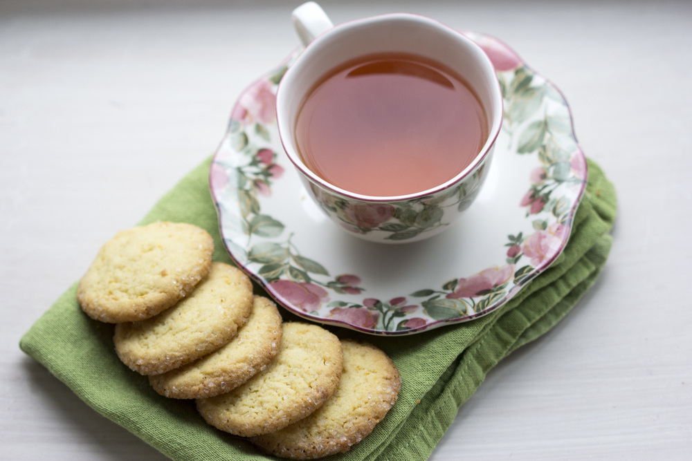 This buttery, lemony, crispy cookie is super duper with hot tea, especially Earl Grey. Maybe don't eat 5 of them at once.