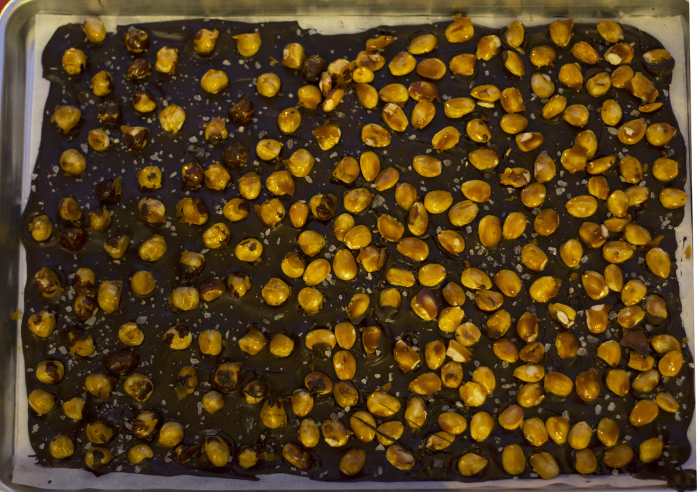 Caramel_Hazelnut_Salted_Chocolate_Bark_0007.jpg