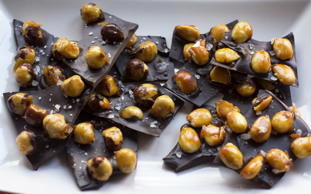 Caramel_Hazelnut_Salted_Chocolate_Bark_0003.jpg