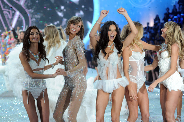 2013+Victoria+Secret+Fashion+Show+Show+CEjKpMnJod_l.jpg