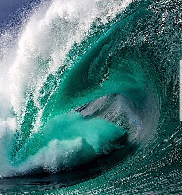 Mother nature showing off her colours and power. Amazing image @anjsemark . . . . . . . . #surf #surfing #waves #ocean #surfboard #boardrax #boardrack #earth #longboards #love #standuppaddleboard #tbt #design #sydney #me #surfergirl #windsurfing #beach #beautiful #watersports #beachlife #australia #surfrack #quality #serenity #instagood #surfer #fun #handmade