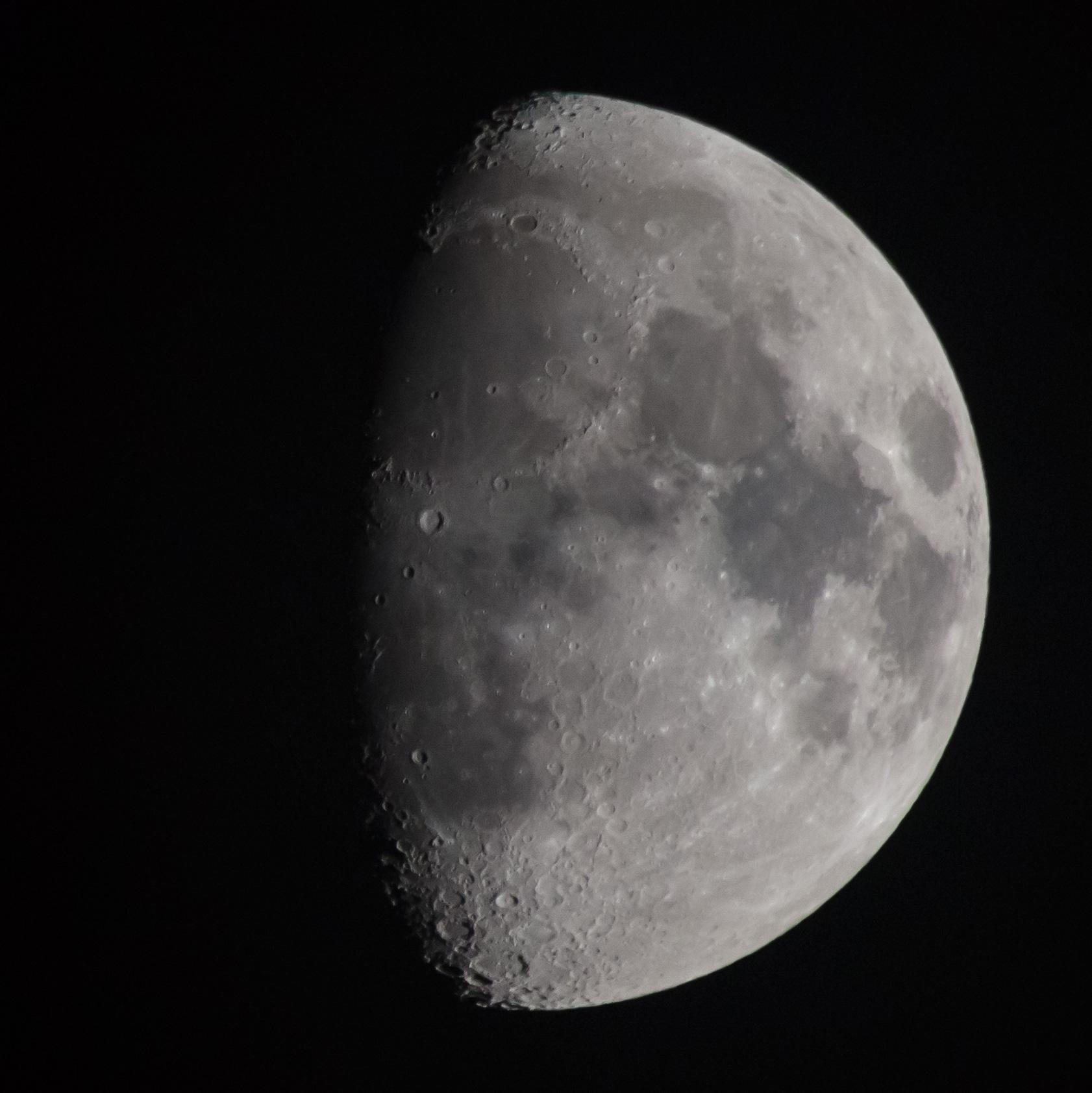 20130519-1000mm-moon
