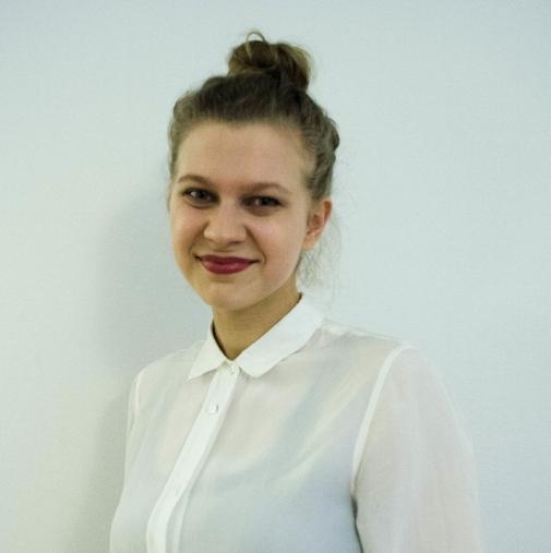 Ilona on DROPPin sisällöntuottaja.