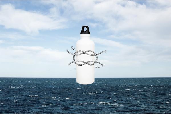 DROPPin tulevan SIGG-pullon kylkeä koristaa tämä solmu.Suunnittelija: Rasmus Tikkanen