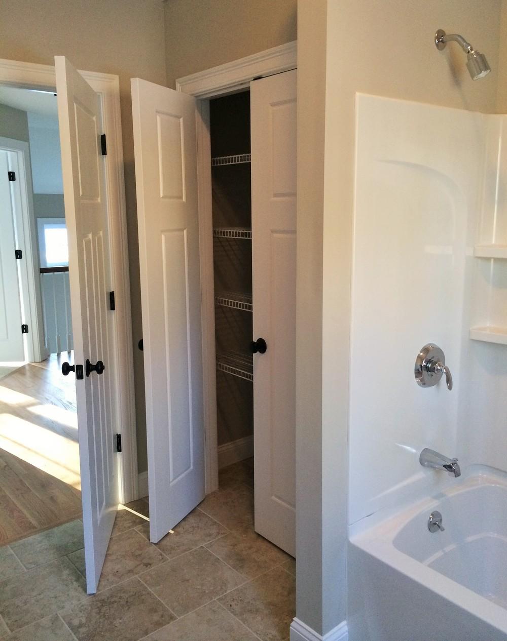 Guest Bath Closet.JPG