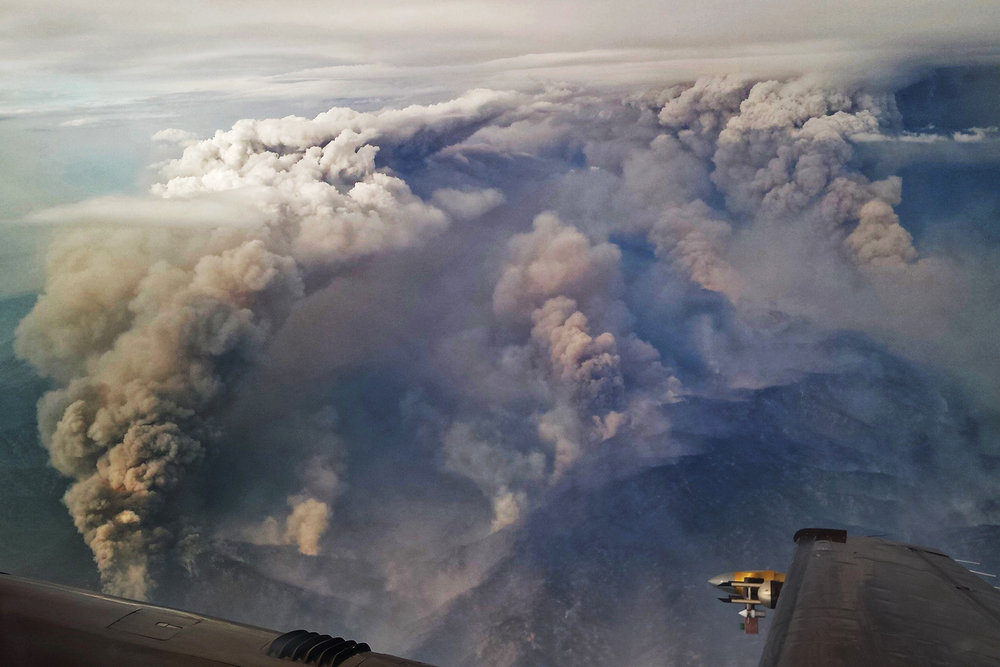 View of the 2016 pioneer fire from uw research aircraft during radfire campaign