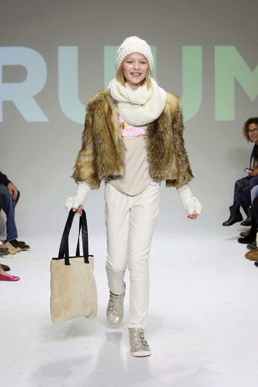 RUUM HOLIDAY14