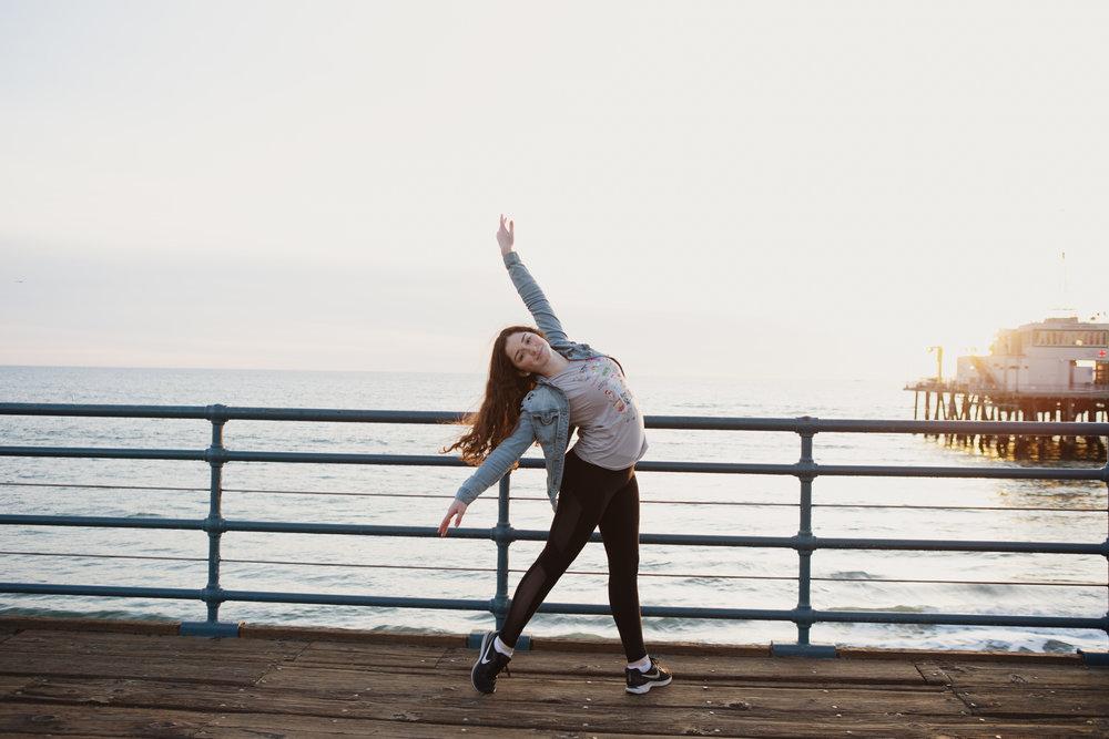 teen-girls-on-pier-santa-monica-23.jpg