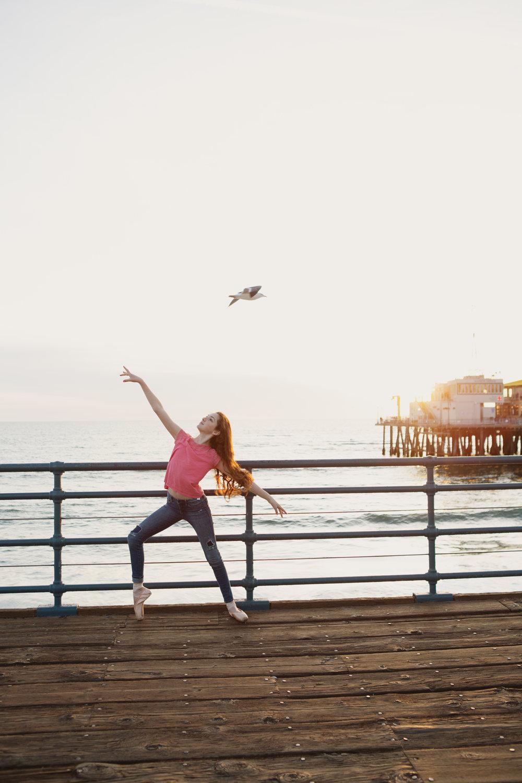 teen-girls-on-pier-santa-monica-27.jpg